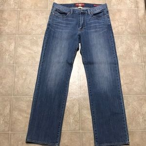 Lucky Brand Men's Vintage Straight Jeans.